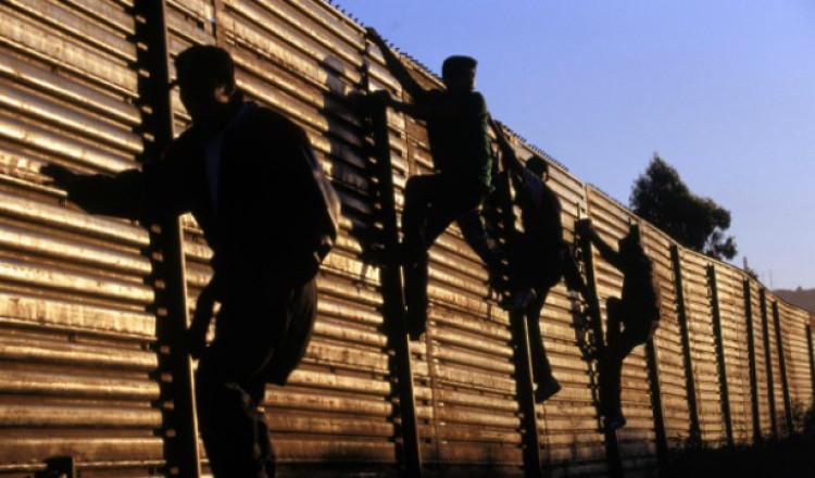 border-crossing-ann-coulter-voter-fraud-620x412-750x440