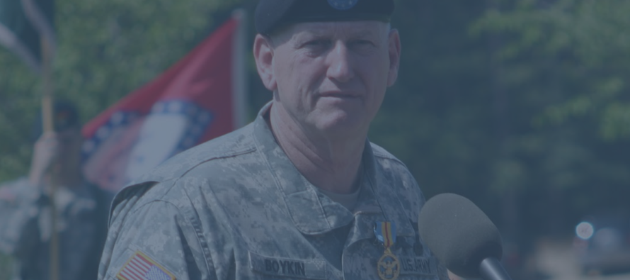 Army General Risks It All To EXPOSE Obama – Reveals Truth About ISIS And Mexico…