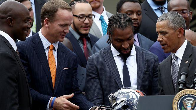 060616-Denver-Broncos-Barack-Obama-PI.vadapt.664.high.11 (1)