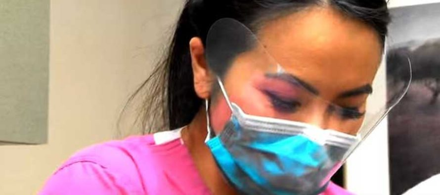 VIDEO: Dr. Pimple Popper removes a disgusting three year-old cyst from woman's neck using 'hole punch'