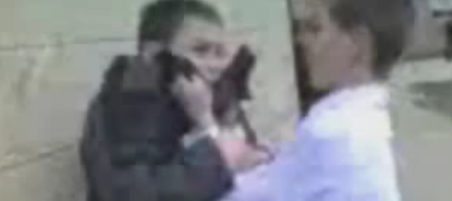 VIDEO: Bully knocked the hell out by much smaller kid