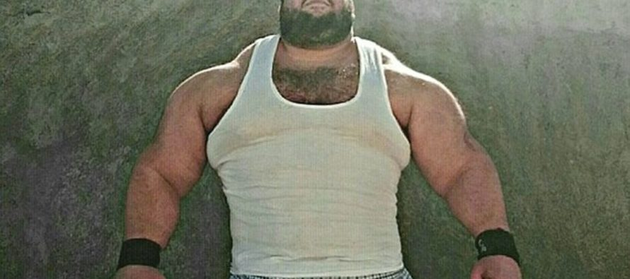The HULK Challenges ISIS: Giant Bodybuilder Announces He Will Take Up Arms To Fight Islamic State