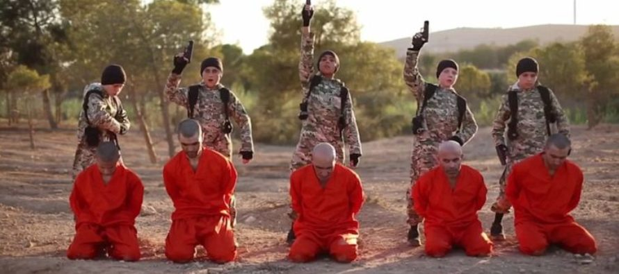 SHOCKING Footage Of White British Boy As ISIS Executioner Goes VIRAL – Wait Until You See Why… [VIDEO]