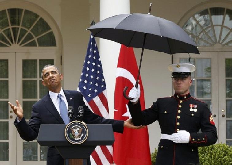 Obama-Marine-Umbrella1