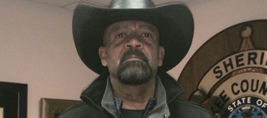 TRUTH BOMB: Sheriff Clarke Goes Nuclear On Obama – States Controversial Theory