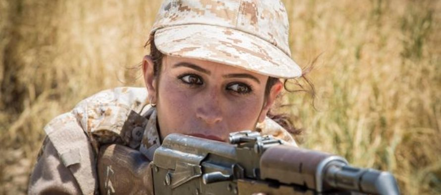 Female Kurdish Soldiers Fighting ISIS Explain Why They Wear Make-Up & Lipstick on the Battlefield