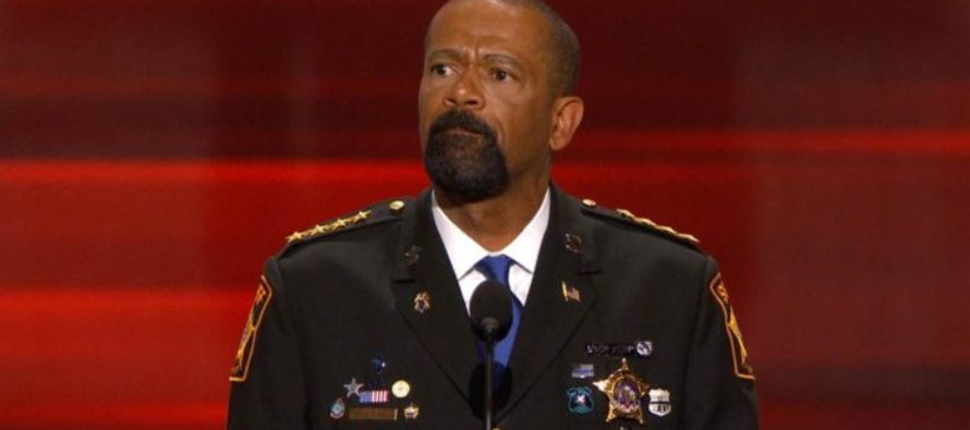 "CNN Calls Black Conservatives ""Mediocre Negroes"" – Sheriff Clarke Has Just RESPONDED! [VIDEO]"