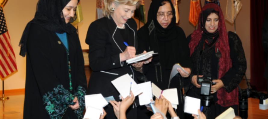 Huma's Mother Has Written A New Book That Raises DISTURBING Questions About Hillary