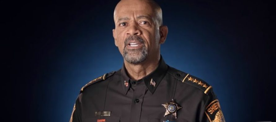"""Sheriff Clarke SILENCES Obama's Claim That """"Men Are SEXIST If They Don't Vote HILLARY!"""" VIDEO"""