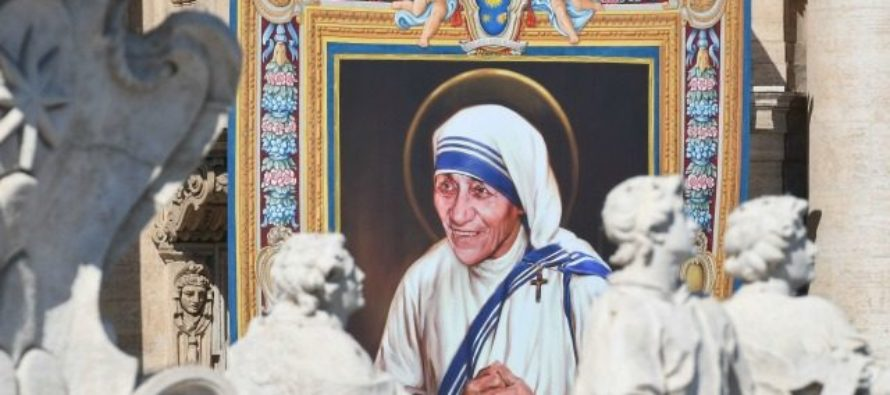 Mother Teresa becomes Saint, Pope touches controversial topic at canonization