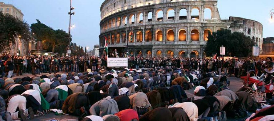 BREAKING: RIGHT NOW, 235,000 Islamic People Head to Italy, For One Terrifying Reason!