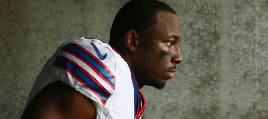 NFL Player TROLLS BlackLivesMatter – Invites Special Guests To Game Against Kaepernick