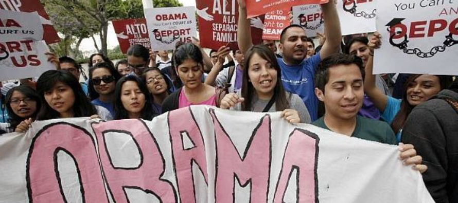 MAJOR LEAK: Obama Administration is Quietly Delaying Thousands of Deportation Cases [VIDEO]