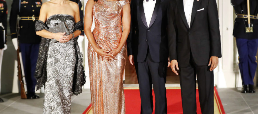People Are FURIOUS Over What Michelle Obama Wore to Final State Dinner Last Night