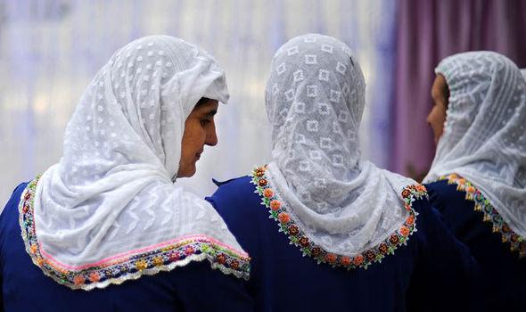 muslim-women-attend-a-wedding-736743