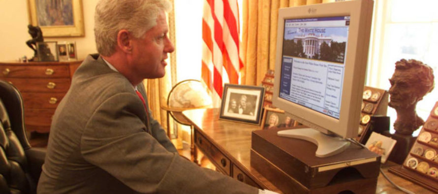 """JUST IN: Clinton White House Emails """"Stolen"""""""