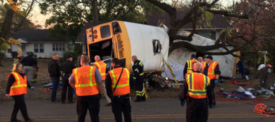 Driver SMASHES School Bus Full Of Children Into Tree, 5 Are Killed, Numerous More Sent To E.R. – VIDEO