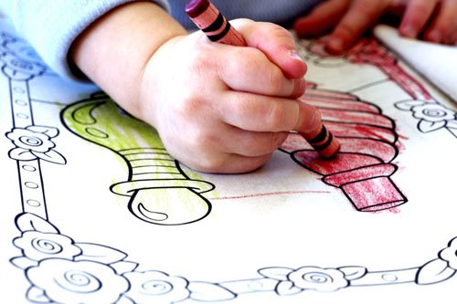 Child-Coloring-With-Crayons