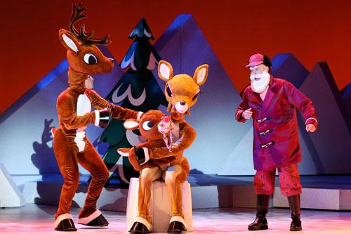 Rudolph_Family_and_Santa