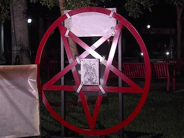 wptv-pentagram-wptv-satanic-display-in-boca-raton_1481109242358_51053474_ver1-0_640_480