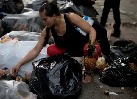 pregnant-shopping-venezuela