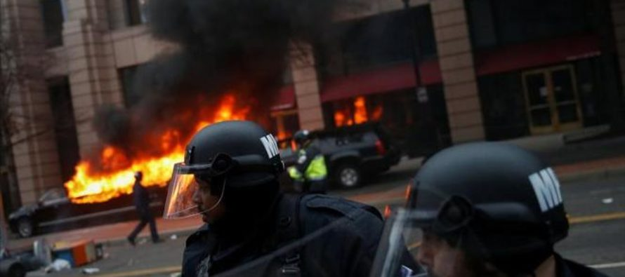 DC Rioters Facing 10 Years in Prison Beg Comrades For Bail Money, Legal Support