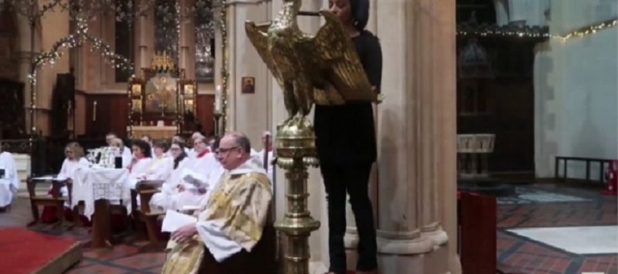 Church Invites Muslim To Read Quran At Their Service – Then She De-Deifies Christ VIDEO