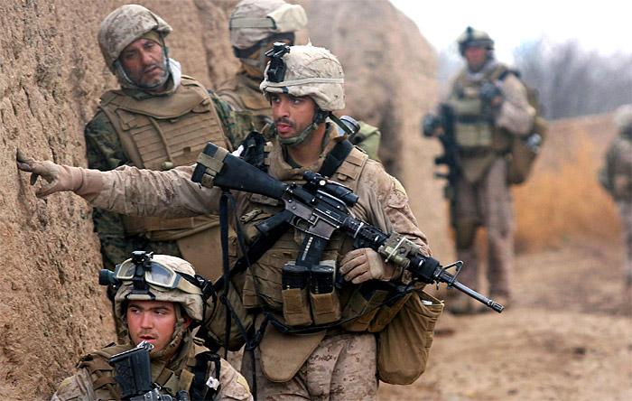 military-com-marine-pmag-470