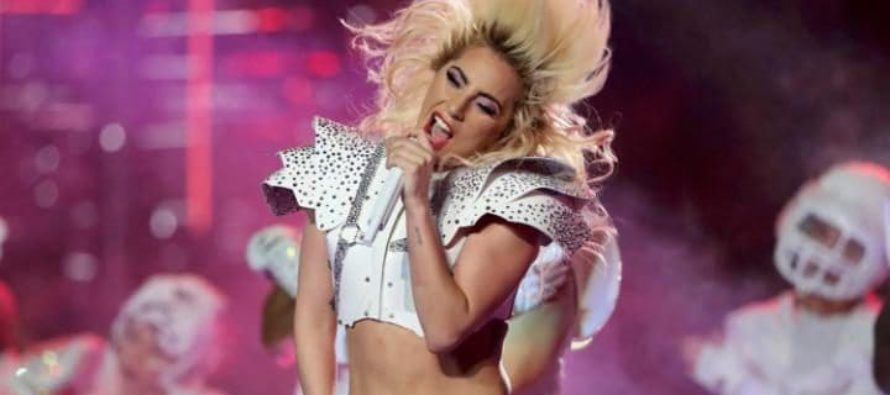 Lady Gaga Teaches Beyonce an EPIC Lesson During Super Bowl Half Time