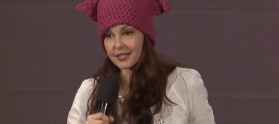 Ashley Judd says Women have more rights in the Middle East, gets UNEXPECTED response! [VIDEO]