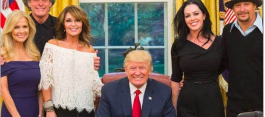 """Liberals MELT DOWN over Photos from Sarah Palin's White House Visit: """"Jesus was…"""""""