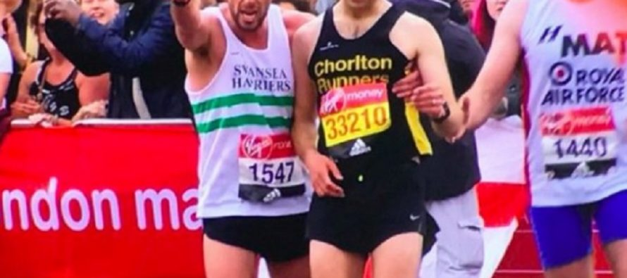 #Runner1547 becomes the unlikely instant hero of world famous race in London [VIDEO]