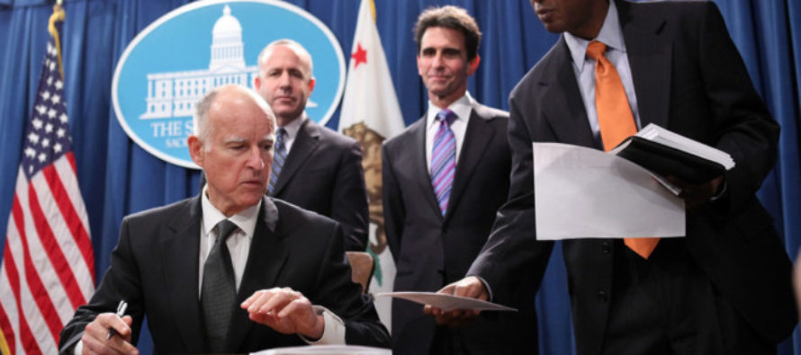 California Senate Votes 28-8 to Exempt Itself from State Gun Laws