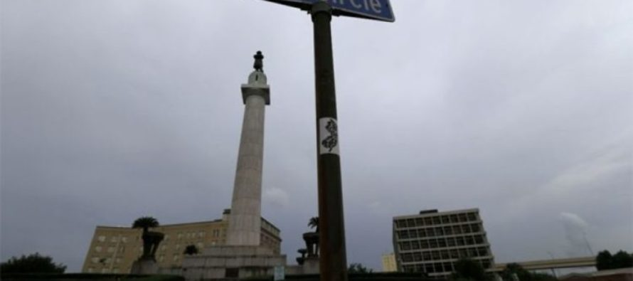 Right Now, New Orleans is Tearing Down Their LAST Confederate Memorial