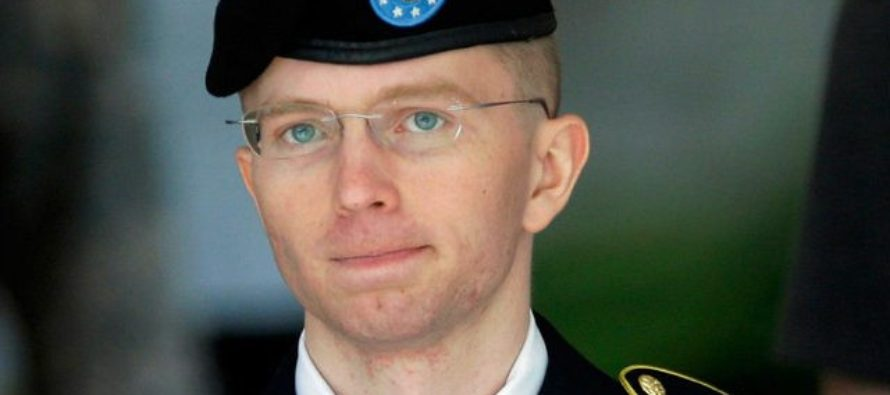 """""""Chelsea"""" Manning Will Remain on Active Duty After Being Released from Prison Thanks to Obama"""
