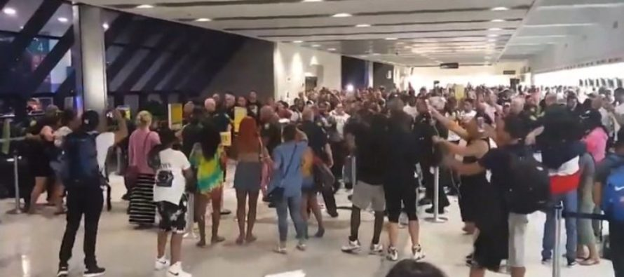 CHAOS AT FLORIDA AIRPORT: Furious Passengers Brawl With Airport Staff, Police [VIDEO]