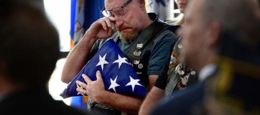 Moment A Man Pulls Out Bag Of Veteran's Ashes During Democrat Senator's Speech