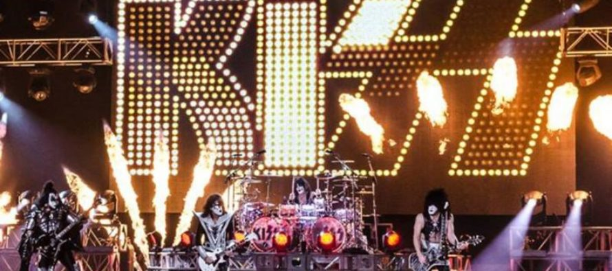 KISS Stops Mid-Concert; What They Do Next Has Liberals LOSING THEIR MINDS! [VIDEO]