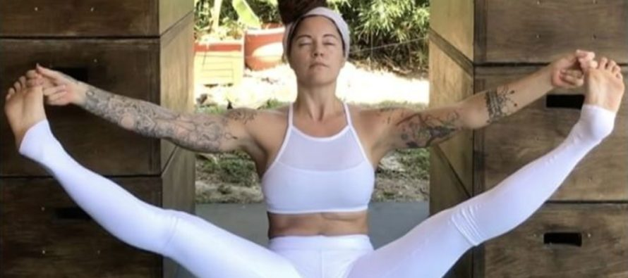 Yoga Girl Wears White Pants To Bleed Freely, Liberals Are NASTY!!
