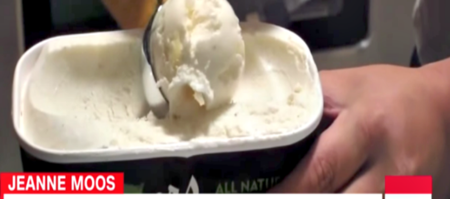 WATCH: CNN Devotes 2 SEGMENTS to Trump's 'Executive Privilege' for Eating 2 Scoops of Ice Cream