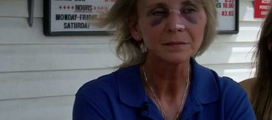 Customers BRUTALLY BEAT Restaurant Owner's Teenage Daughter Because of Order [VIDEO]