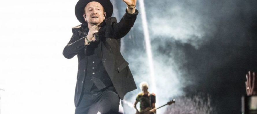 Irish ROCKER Bono STOPS Concert to Pray for GOP Congressman