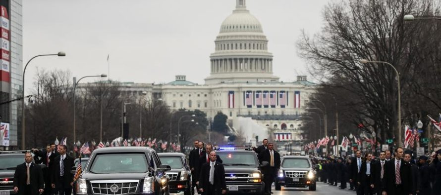 UBER Driver Runs Car Into Trump Motorcade STRIKING Secret Service Agent