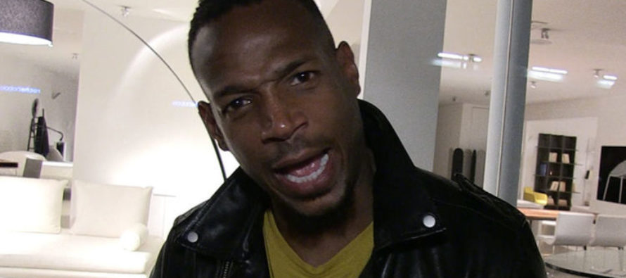 Marlon Wayans LEVELS Kaepernick Hardcore: 'You Can't Kneel and Throw Interceptions' [VIDEO]
