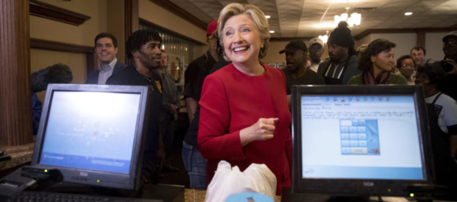 JUST IN: FBI Turns 7,000 New Emails Over For HIllary Investigation – All From Anthony Weiner's Private Laptop