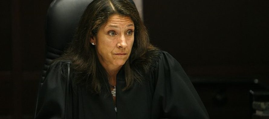 """Judge LEVELS Welfare Mom Who Says: """"Somebody Needs To Pay For All My Kids"""" [VIDEO]"""