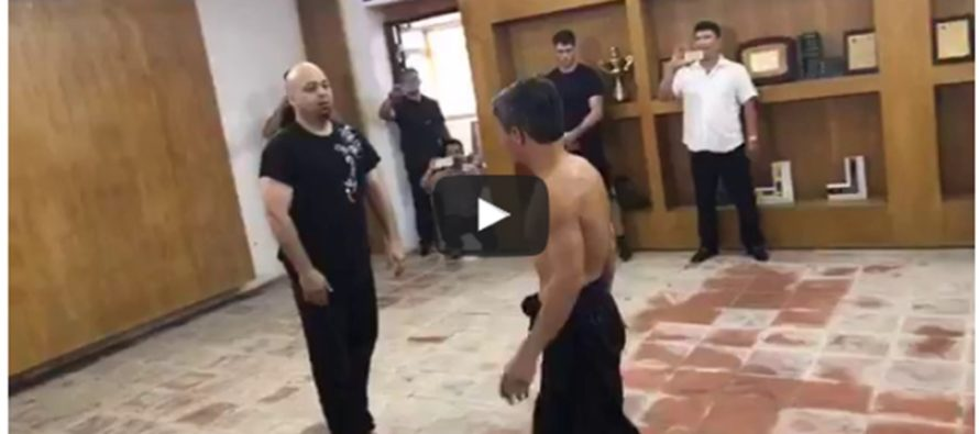 [VIDEO] Martial Arts Master Duels Karate Black Belt in Street Fight