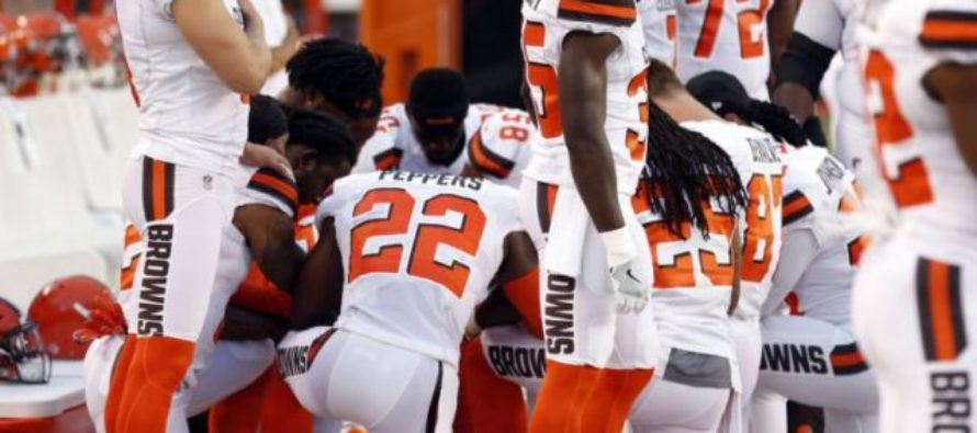 Browns Stage HUGE Anthem Protest Monday Night Including First White Player