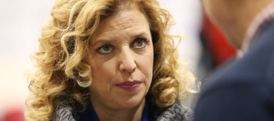 Democrats Turning Their Backs On Debbie Wasserman Schultz [VIDEO]