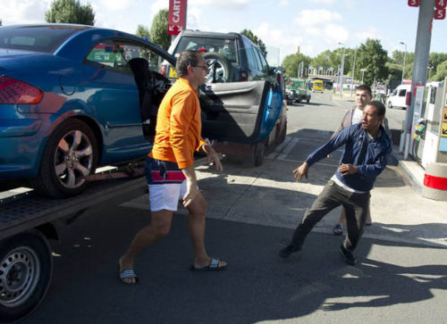 Transporter Gets Into BRAWL With Migrant After He Tried To Get A 'Free' Ride